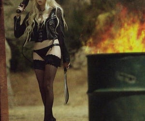beauty, Taylor Momsen, and the pretty reckless image