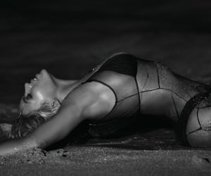 beyonce knowles, self-titled, and beyonce knowles carter image