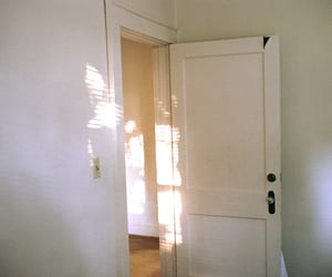 white and doorm light image