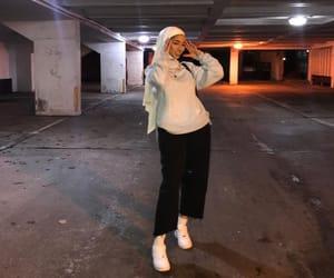 guapacita_, girl, and hijab image