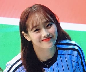 kpop, preview, and chuu image