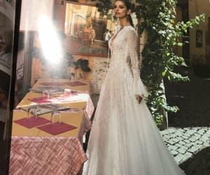 abito bianco, scollato, and sposa image