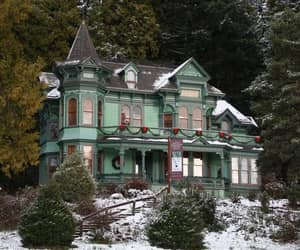 house and victorian house image