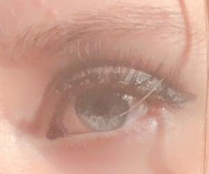 aesthetic, pretty eye, and eye image
