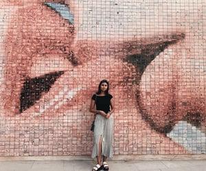 Barcelona, feed, and kissing image