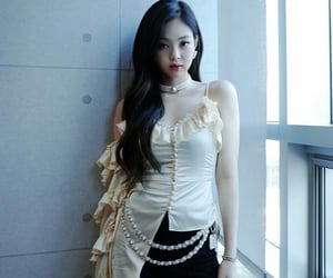 cute girl, famous, and korean girl image