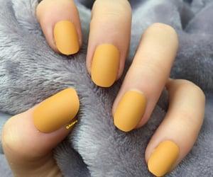 mustard short oval nails image