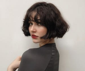 brunette, short hair, and cabelo curto image