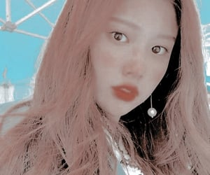 izone, hyewon, and kang hyewon image
