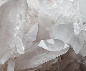 crystal and white image