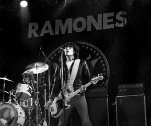 black and white, concert, and dee dee ramone image