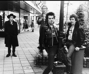 sex pistols, sid vicious, and punk image