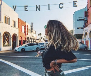 blonde hair, california, and chic image
