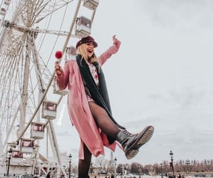 london eye&girl image