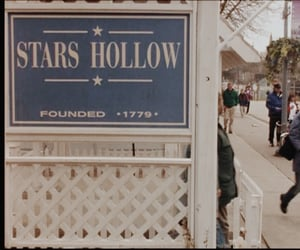 gilmore girls and stars hollow image
