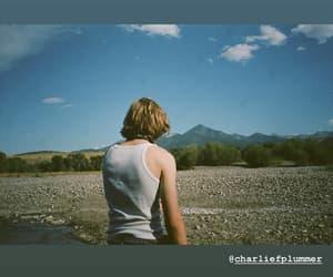looking for alaska, buscando a alaska, and charlie plummer image