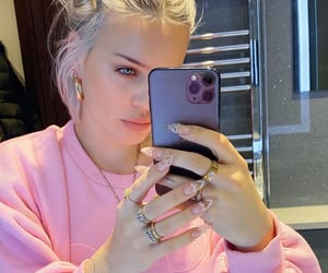 beautiful, anne marie, and selfie image
