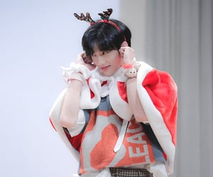 art, korean beauty, and hyunjin image