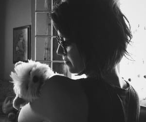 Mary Elizabeth Winstead and dog image