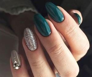 nails and green image