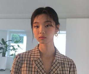 model, kim dasom, and aile company model image