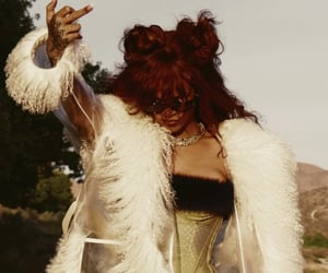 middle finger, rihanna, and rihanna fenty image