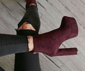 aesthetic, beauty, and burgundy image