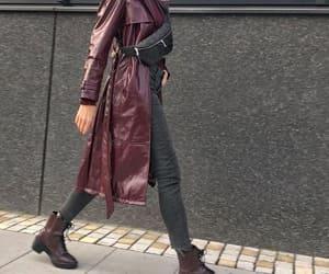 maroon boots image