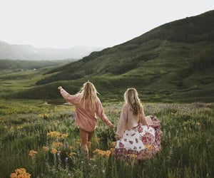 friends, flowers, and friendship image
