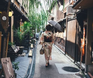 aesthetic, city, and geisha image