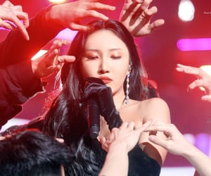 earrings, kpop, and makeup image