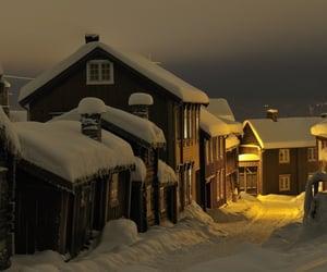 aesthetics, farm house, and winter image