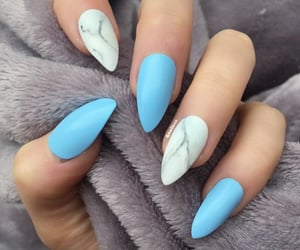 baby blue&marble nails image