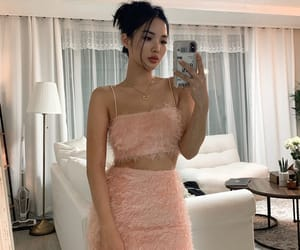 fashion, girl, and chailee son image