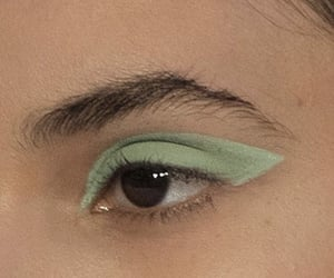 aesthetic, green, and makeup image