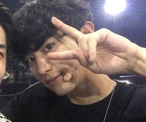 exo, exo couple, and exo kpop image