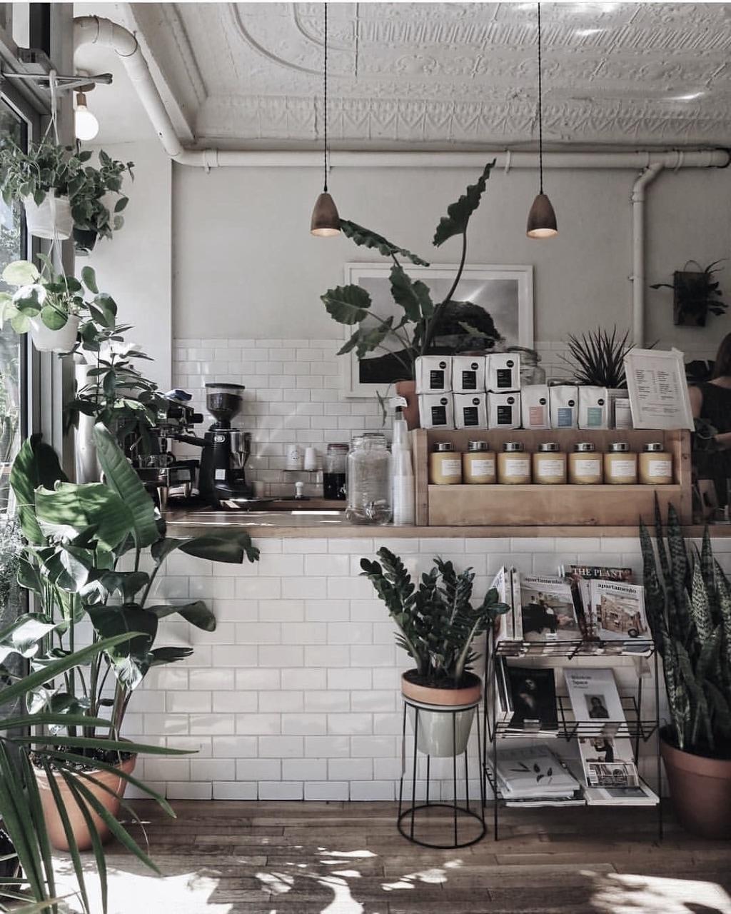 Cute Cafe Uploaded By 𝙱𝚒𝚊𝚗𝚌𝚊 On We Heart It
