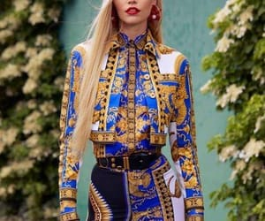 style and Versace image