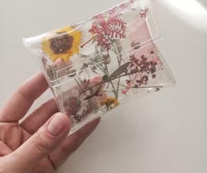 credit cards, card holder, and small gift image