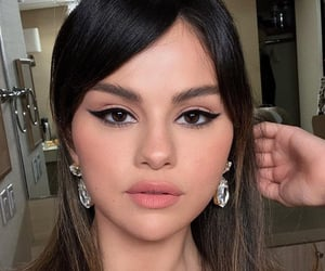 selena gomez, rare, and makeup image