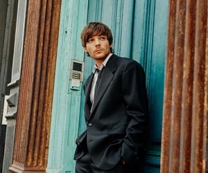 louis tomlinson, walls, and music image