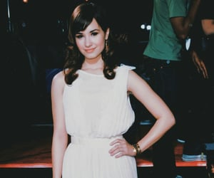hair style, celebrity, and demi lovato image