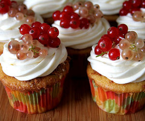 berries, red, and cakes image