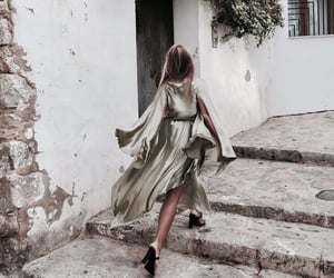 architecture, fashion, and heels image