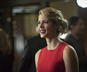 felicity smoak and emily bett rickards image