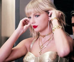 Taylor Swift, gif, and miss americana image