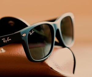 accessories, ray ban, and sunglasses image