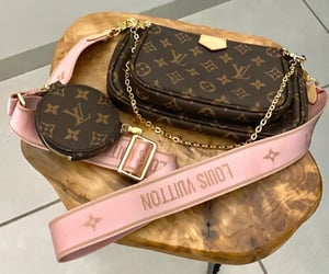 beuty, ​louisvuitton, and pochette image