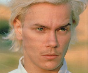 river phoenix, sexy, and cute image