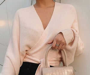 classy, fashion, and light pink image
